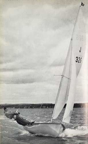 J325 sailing on Chichester Harbour